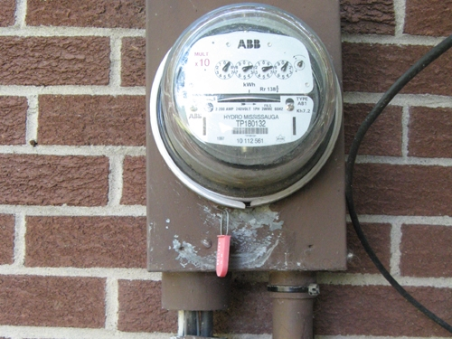 electrical-conduits-at-service-meter-have-seperated